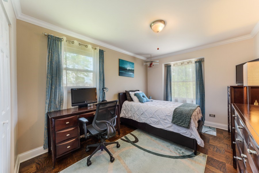 Real Estate Photography - 1800 Catalpa Ln, Mt Prospect, IL, 60056 - 2nd Bedroom