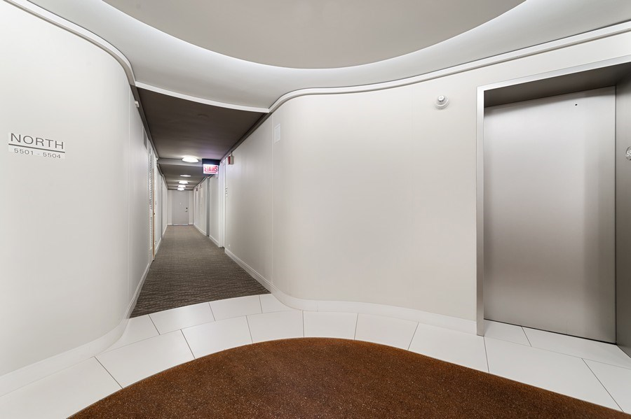 Real Estate Photography - 505 N Lake Shore Dr, Unit 5502, Chicago, IL, 60611 - Entryway