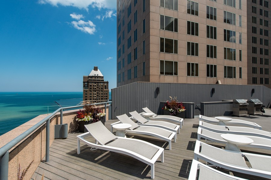 Real Estate Photography - 950 N Michigan Ave, 3605, Chicago, IL, 60611 - Sun Deck