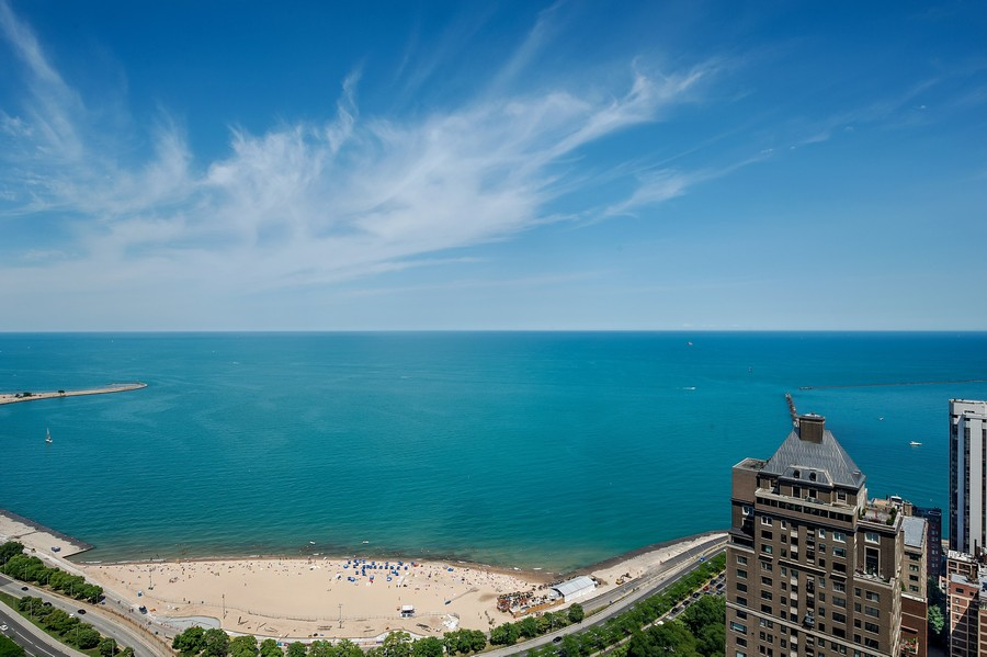 Real Estate Photography - 950 N Michigan Ave, 3605, Chicago, IL, 60611 - Lake and Oak Street Beach