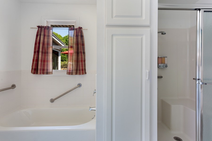 Real Estate Photography - 13892 Lakewood Drive, Harbert, MI, 49115 - Master Bathroom