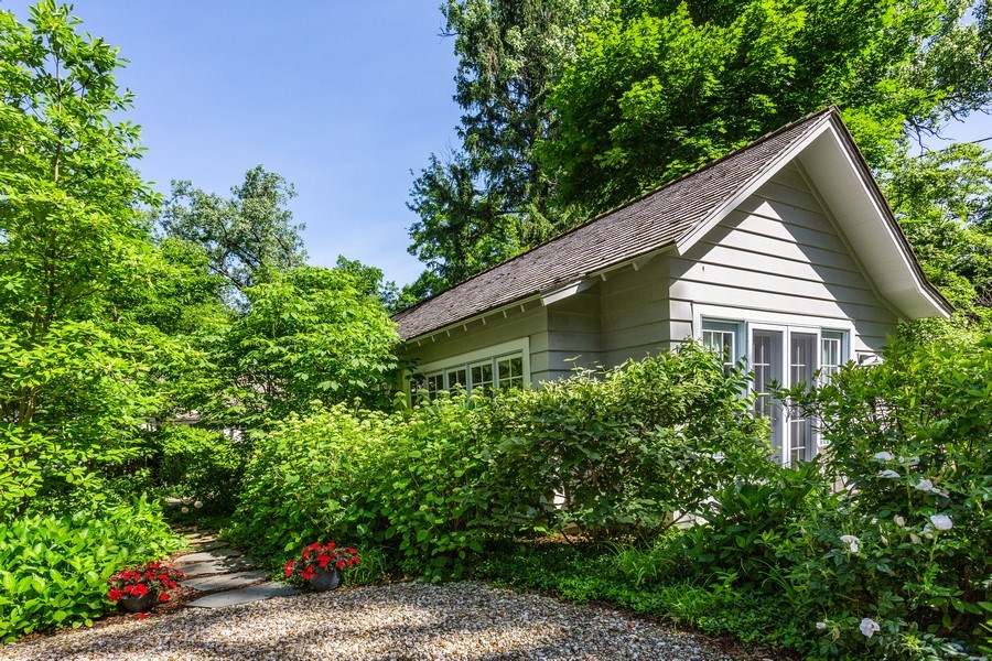 Real Estate Photography - 15120 Lakeshore Road, Lakeside, MI, 49116 - Entry at Parking Area
