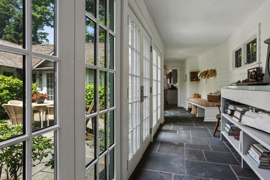 Real Estate Photography - 15120 Lakeshore Road, Lakeside, MI, 49116 - Gallery to Courtyard