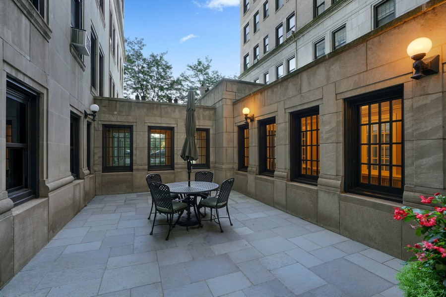 Real Estate Photography - 3530 N. Lake Shore, #8A, Chicago, IL, 60657 - Courtyard