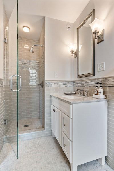 Real Estate Photography - 3530 N. Lake Shore, #8A, Chicago, IL, 60657 - 2nd Bathroom