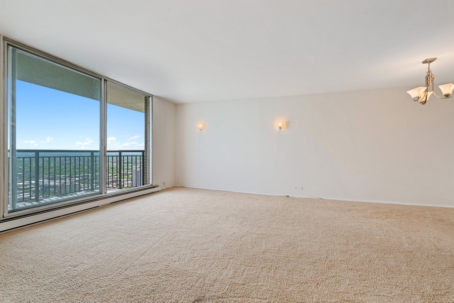 Real Estate Photography - 6007 N. Sheridan, #39C, Chicago, IL, 60660 - Living Room