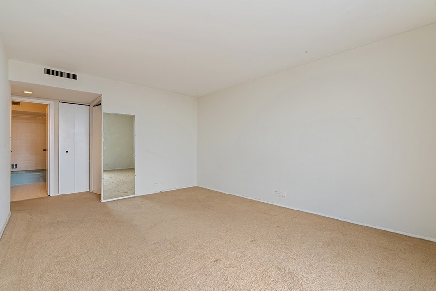 Real Estate Photography - 6007 N. Sheridan, #39C, Chicago, IL, 60660 - Master Bedroom