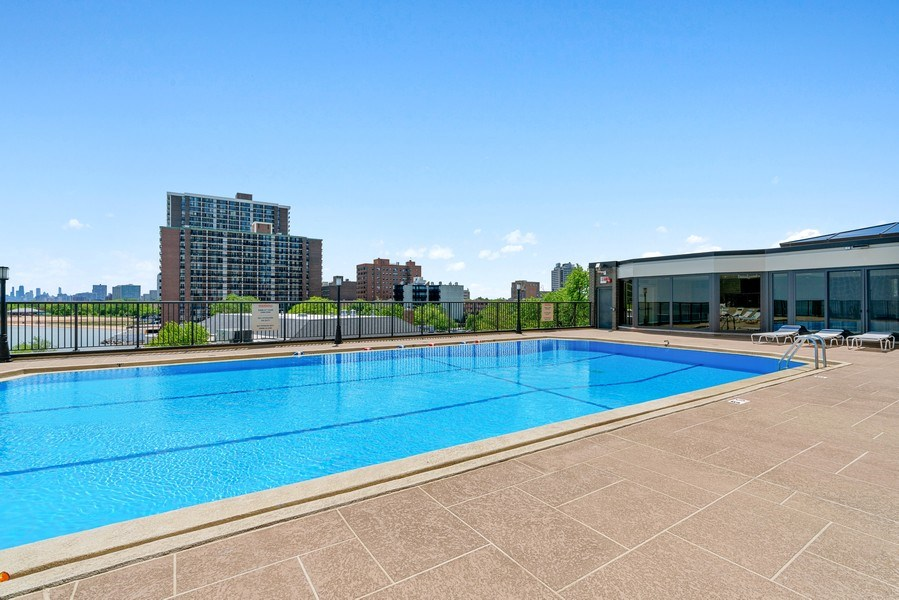 Real Estate Photography - 6007 N. Sheridan, #39C, Chicago, IL, 60660 - Pool