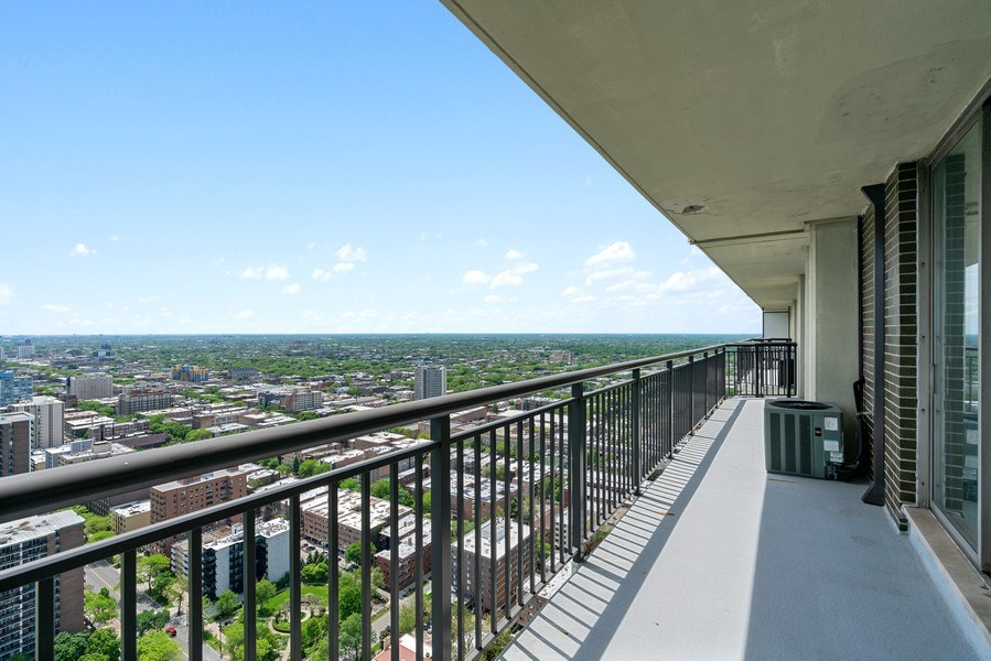 Real Estate Photography - 6007 N. Sheridan, #39C, Chicago, IL, 60660 - Balcony