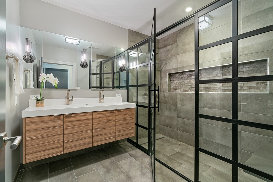 Real Estate Photography - 1902 W. Division, #2N, Chicago, IL, 60622 - Master Bathroom