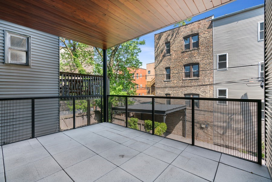 Real Estate Photography - 1902 W. Division, #2N, Chicago, IL, 60622 - Deck