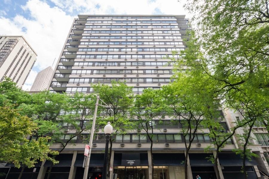 Real Estate Photography - 33 E Cedar, Unit 11 A, Chicago, IL, 60611 - Front View