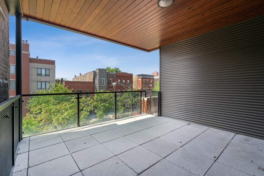 Real Estate Photography - 1904 W. Division, #3S, Chicago, IL, 60622 - Deck