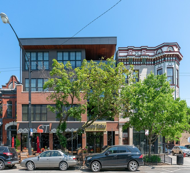 Real Estate Photography - 1904 W. Division, #3S, Chicago, IL, 60622 - Front View