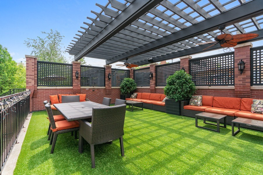 Real Estate Photography - 3754 N. Janssen, Chicago, IL, 60613 - Roof Deck