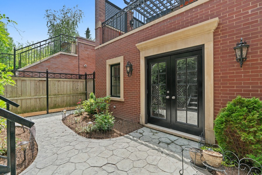 Real Estate Photography - 3754 N. Janssen, Chicago, IL, 60613 - Patio