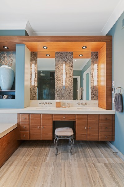 Real Estate Photography - 1905 N. Howe, Chicago, IL, 60614 - Master Bathroom