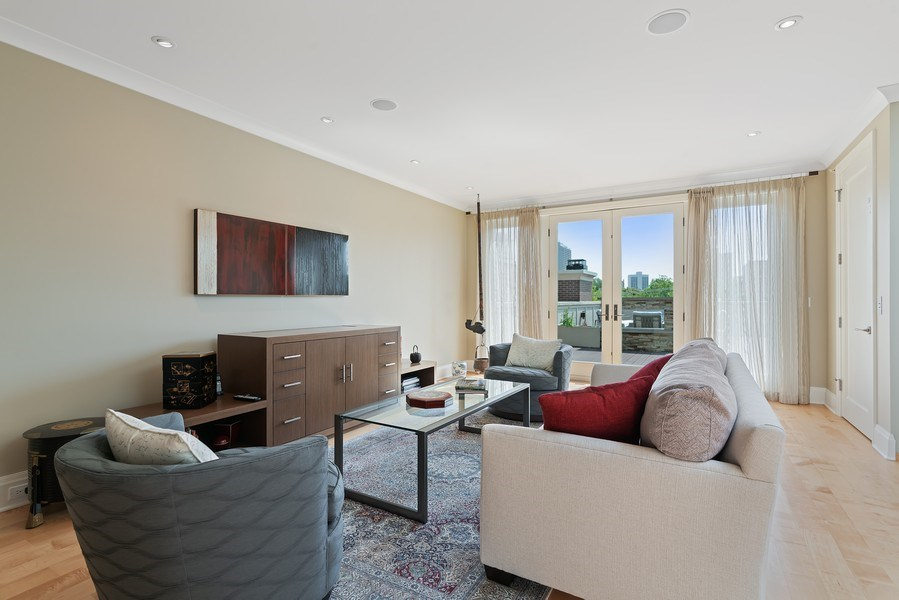 Real Estate Photography - 1905 N. Howe, Chicago, IL, 60614 - Penthouse Family Room