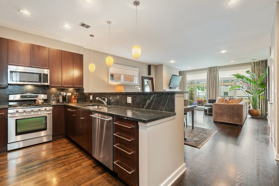 Real Estate Photography - 685 N. Peoria, #4S, Chicago, IL, 60642 - Kitchen