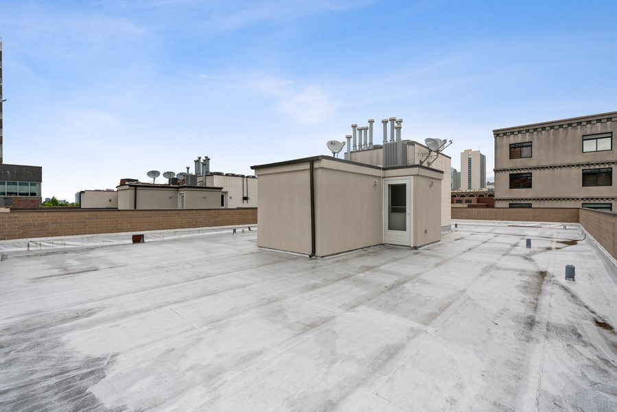 Real Estate Photography - 685 N. Peoria, #4S, Chicago, IL, 60642 - Roof Deck
