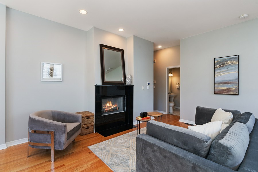Real Estate Photography - 958 N. Wood, #A, Chicago, IL, 60622 - Living Room