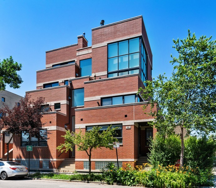 Real Estate Photography - 958 N. Wood, #A, Chicago, IL, 60622 - Front View