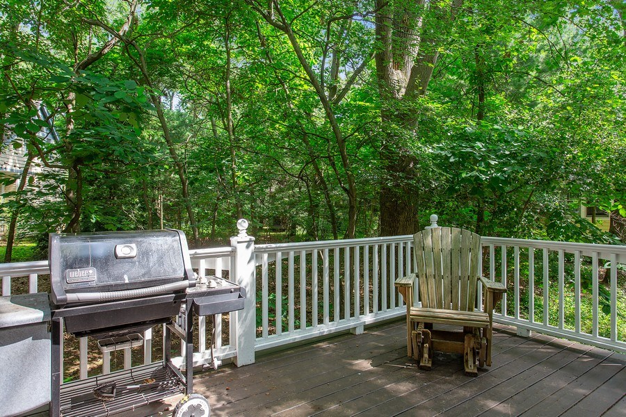 Real Estate Photography - 18636 Forest Beach Drive, New Buffalo, MI, 49117 - Deck (leave out - dirty)