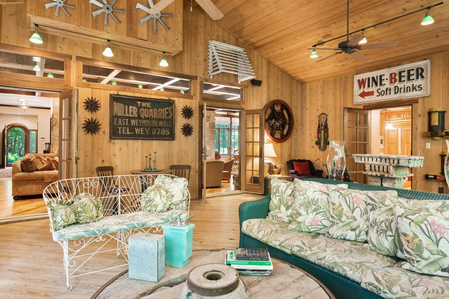 Real Estate Photography - 7020 Youngren Rd, Three Oaks, MI, 49128 - Screen Porch