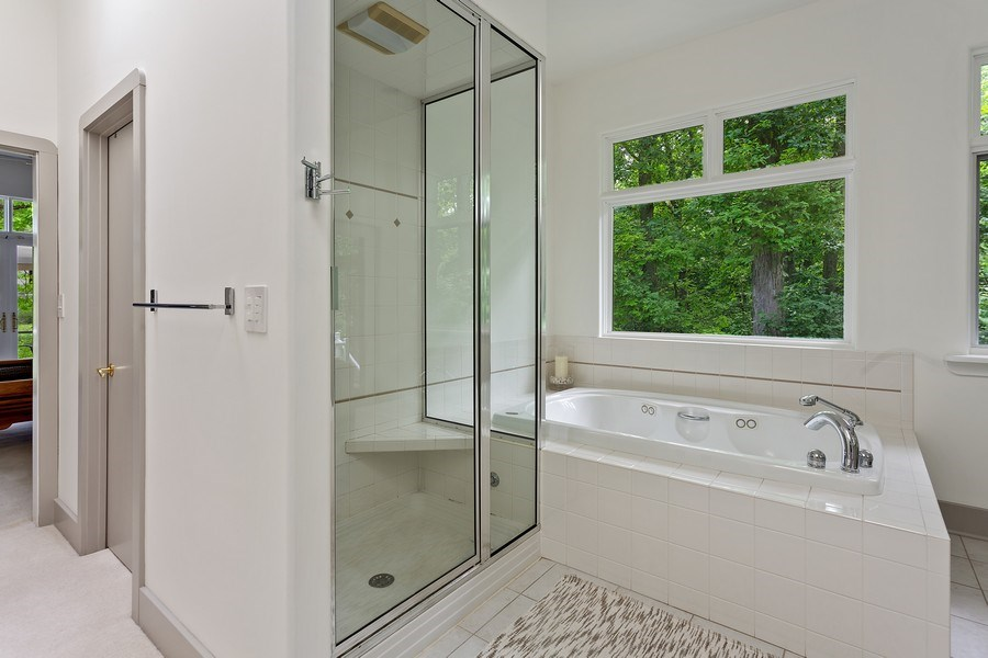 Real Estate Photography - 14458 Ridgeview Drive, New Buffalo, MI, 49117 - Master Bathroom