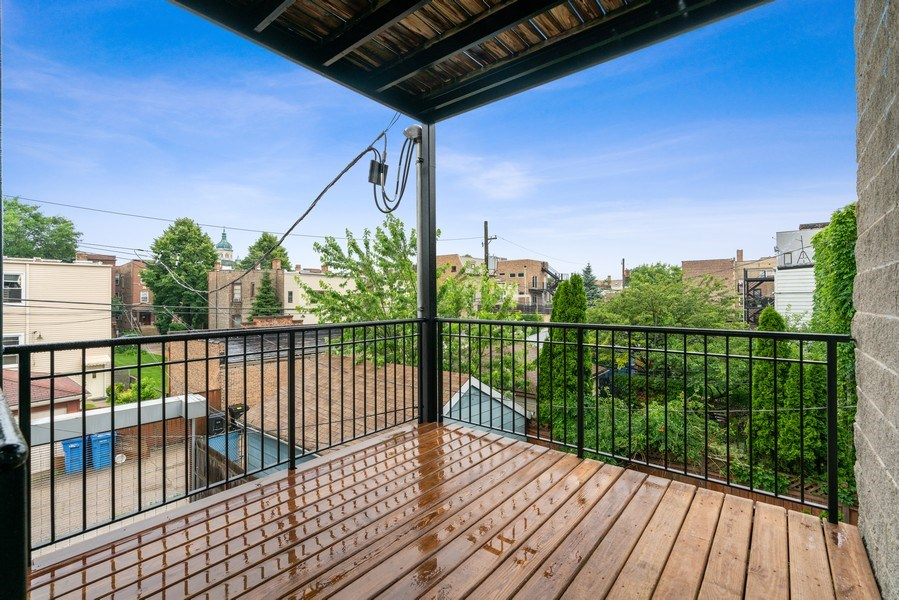 Real Estate Photography - 2217 W. Augusta, #2, Chicago, IL, 60622 - Deck