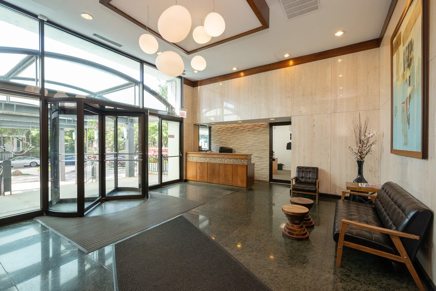 Real Estate Photography - 444 W Fullterton Ave, 1005, Chicago, IL, 60614 - Lobby