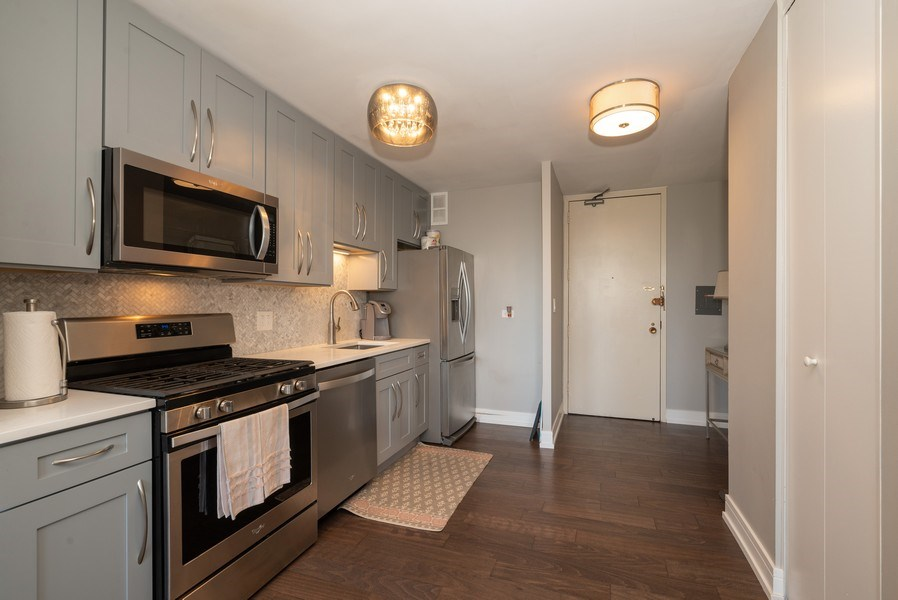Real Estate Photography - 444 W Fullterton Ave, 1005, Chicago, IL, 60614 - Kitchen