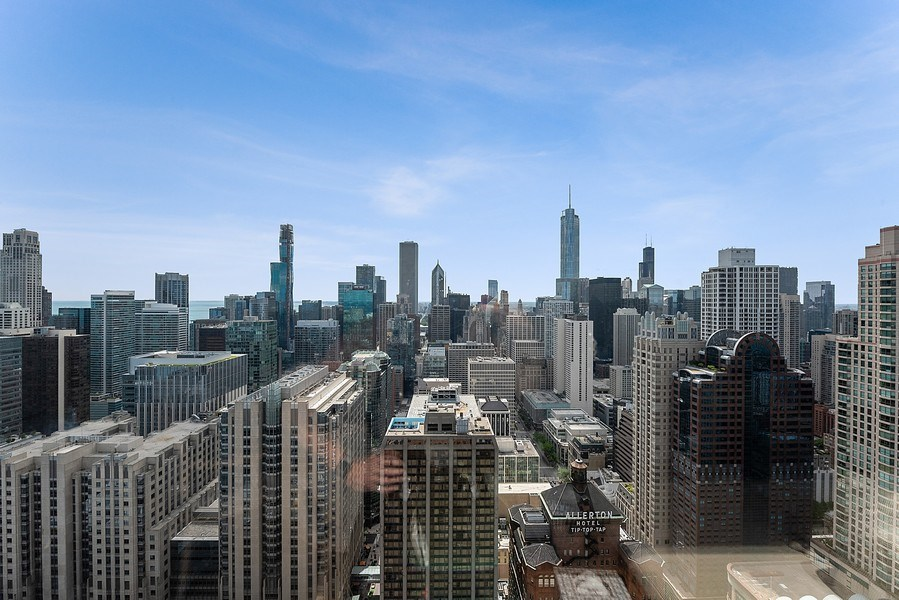 Real Estate Photography - 161 E Chicago Ave, Unit 43 C, Chicago, IL, 60611 - City View