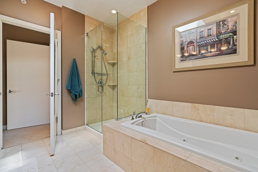 Real Estate Photography - 1117 W. Monroe St, #19, Chicago, IL, 60607 - Master Bathroom