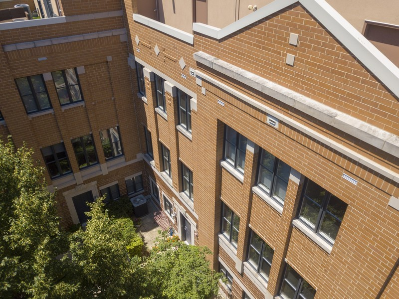 Real Estate Photography - 1117 W. Monroe St, #19, Chicago, IL, 60607 - Aerial View