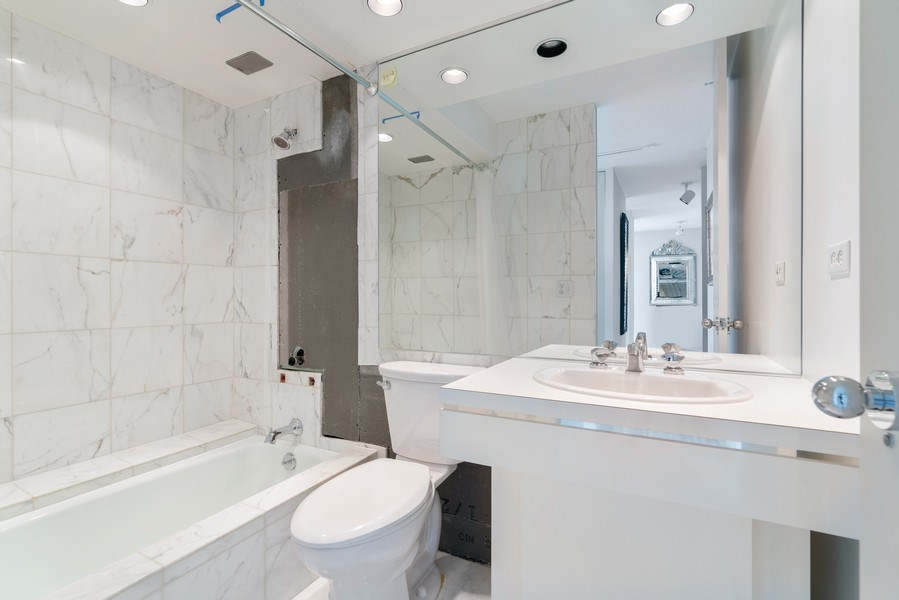 Real Estate Photography - 2800 N. Lake Shore Dr, #3401-3402, Chicago, IL, 60657 - 4th Bathroom