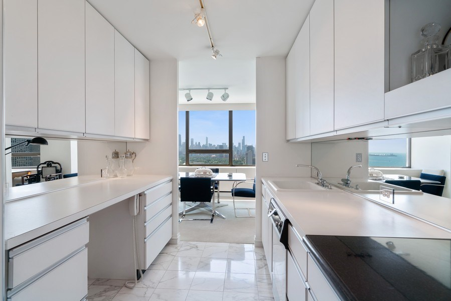 Real Estate Photography - 2800 N. Lake Shore Dr, #3401-3402, Chicago, IL, 60657 - Butlers Pantry