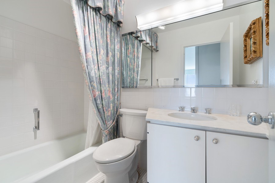 Real Estate Photography - 2800 N. Lake Shore Dr, #3401-3402, Chicago, IL, 60657 - 2nd Bathroom