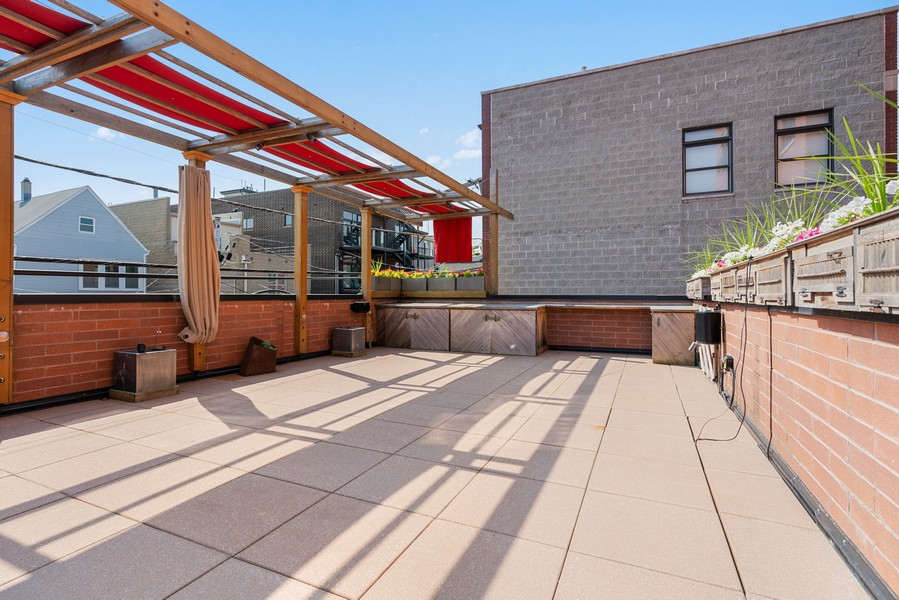 Real Estate Photography - 2663 N. Ashland Ave, #1S, Chicago, IL, 60614 - Roof Deck