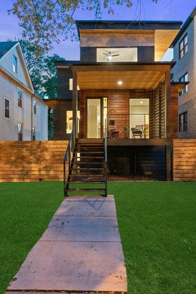 Real Estate Photography - 6074 N. Hermitage, Chicago, IL, 60660 - Location 6