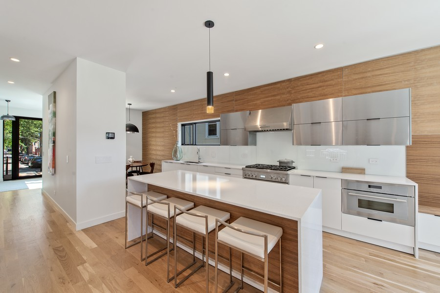 Real Estate Photography - 6074 N. Hermitage, Chicago, IL, 60660 - Kitchen