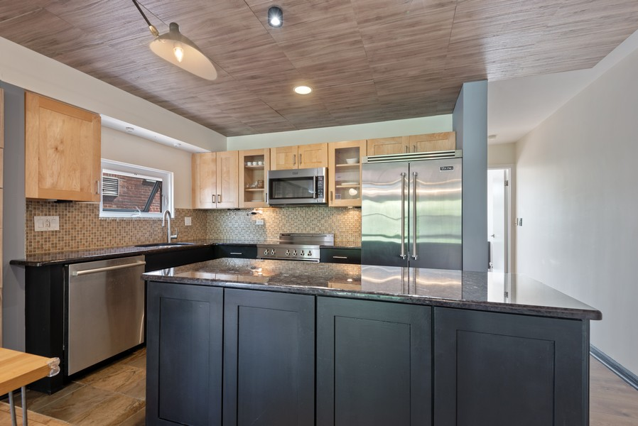 Real Estate Photography - 1414 Hinman, 3C, Evanston, IL, 60201 - Kitchen