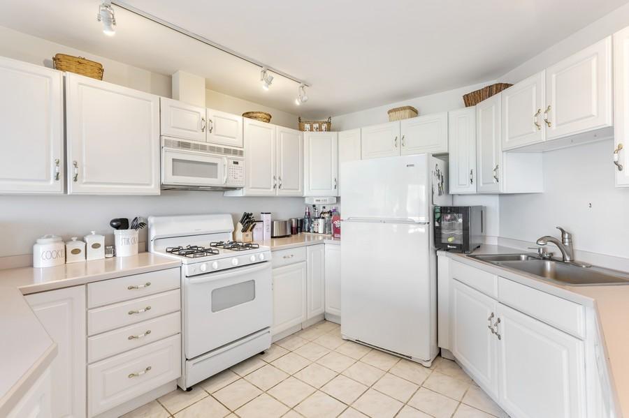 Real Estate Photography - 333 lake Shore Drive, Unit B-3, Michigan City, IN, 46360 - Kitchen