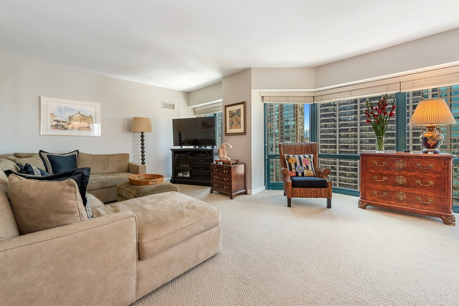 Real Estate Photography - 100 E Huron St, Unit 1701, Chicago, IL, 60611 - Living Room