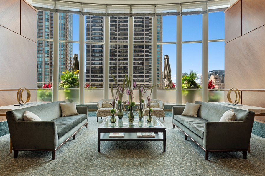 Real Estate Photography - 100 E Huron St, Unit 1701, Chicago, IL, 60611 - Lobby