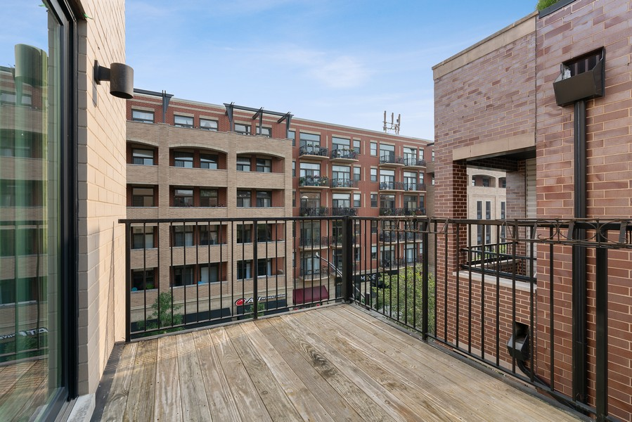 Real Estate Photography - 6 N. Throop St, #4S, Chicago, IL, 60607 - Deck