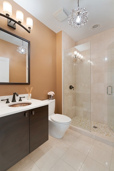 Real Estate Photography - 6 N. Throop St, #4S, Chicago, IL, 60607 - Bathroom