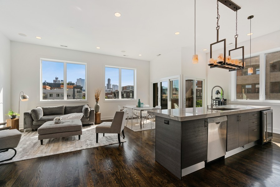 Real Estate Photography - 6 N. Throop St, #4S, Chicago, IL, 60607 - Living Room