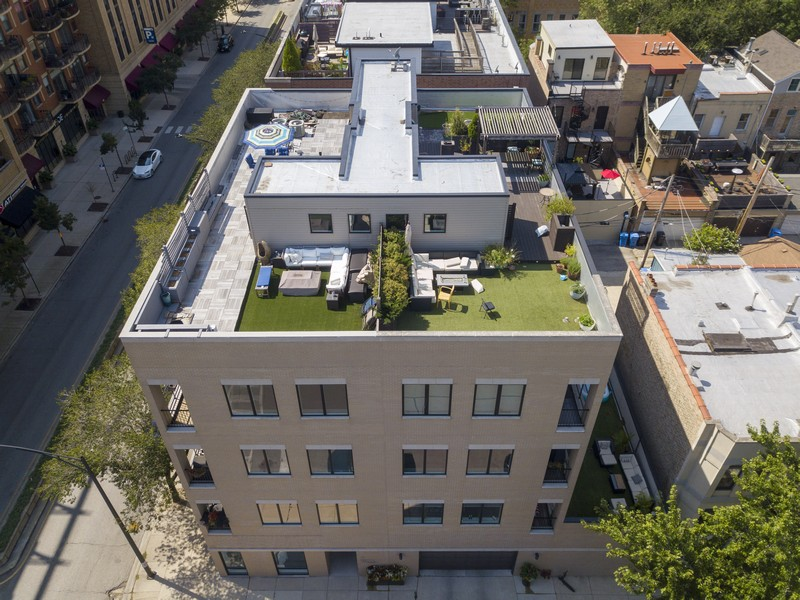 Real Estate Photography - 6 N. Throop St, #4S, Chicago, IL, 60607 - Aerial Roof Deck View