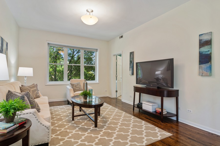 Real Estate Photography - 3139 N. Southport Ave, #PH, Chicago, IL, 60657 - Living Room